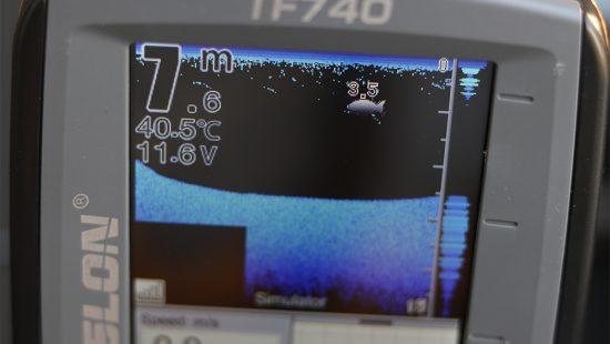 TF740 fishfinder echolot halradar display 1000
